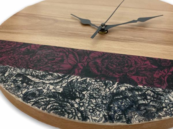 dark-red-roses-wooden-wall-clock-selsal