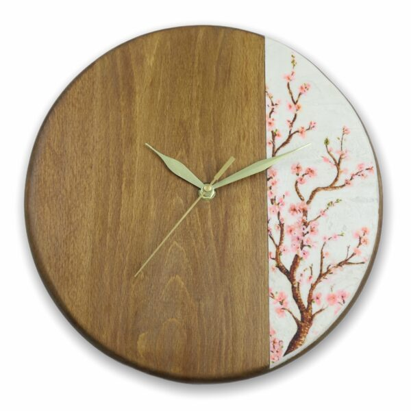 Wood-wall-clock-with-flowers