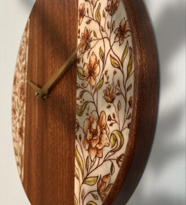 mahogany-Wood-wall-clock-with-flowers-side
